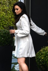 Demi Lovato - Out in LA 12/15/16
