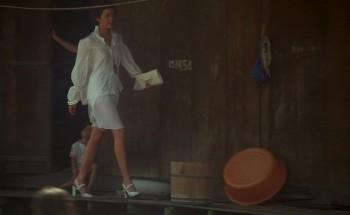 Emmanuelle 1974 720p BluRay DTS 3Audio x264-HDCLUB screenshots
