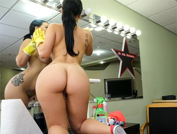 Kimmy Kush - Thick Latina Maid Enjoys First Day (2016) HD 1080p