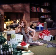 Ann-Margret wishes you a Merry Christmas - Vintage 60's x2