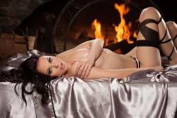 http://thumbnails117.imagebam.com/52265/641963522643869.jpg