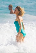 Naomi Watts | Swimsuit Candids in Cancun | January 1 | 45 pics