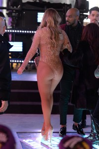 Mariah Carey - New Year's Eve Show Pics (12/31/16) Ass Shots!!