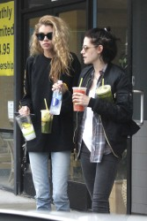Kristen Stewart & Stella Maxwell - Getting drinks in LA 1/4/17