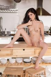 http://thumbnails117.imagebam.com/52453/a75e58524522184.jpg