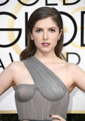 Anna Kendrick- Golden Globes Awards 1/08/17