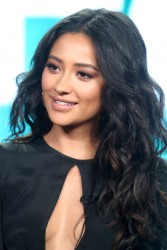 Shay Mitchell - 2017 Winter TCA Tour Day 6 'Pretty Little Liars' Panel 1/10/17