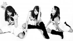 Emma Stone, Emma Watson, Hilary Duff, Kristen Bell (Wallpapers) 6x