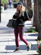 Hilary Duff - Going to the gym in LA 1/17/17