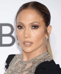 Jennifer Lopez - 2017 People's Choice Awards in LA 1/18/17