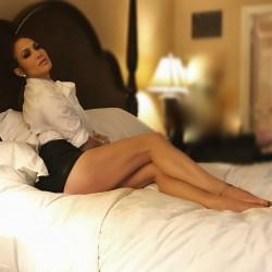 Jennifer Lopez - two interesting instagram pics - 20/21 jan 2017