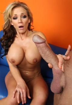 Nikki Sexx Squeezed Full Of Jizz 1080p Cover