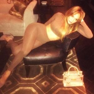 Jennifer Lopez - Skin-tight Instagram Pic (1/25/17)