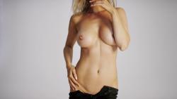 http://thumbnails117.imagebam.com/52926/812807529256328.jpg