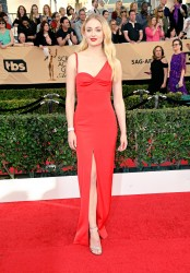 Sophie Turner - 2017 SAG Awards 1/29/17