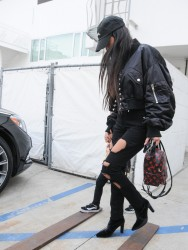 Kourtney Kardashian - Leaving Gagosian Gallery in LA 2/2/17