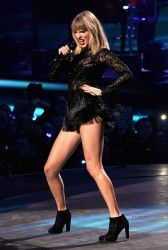 Taylor Swift - 2017 DIRECTV NOW Super Saturday Night Concert In Houston 2/4/17