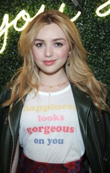 Peyton Roi List - All Woman Campaign at Aerie Spring Street Pop Up Shop 2/06/17