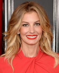 Faith Hill - The 59th Grammy Awards in LA 2/12/17