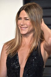 Jennifer Aniston - 2017 Vanity Fair Oscar Party Hosted By Graydon Carter 2/26/17