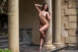 http://thumbnails117.imagebam.com/53517/3137dd535165544.jpg