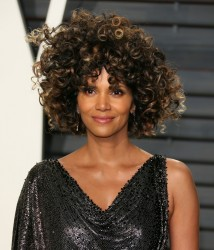 Halle Berry - 2017 Vanity Fair Oscar Party 2/26/17