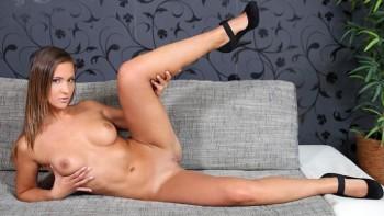 Porn naomi bennett Naomi Bennet