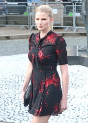 Lara Stone attends the Miu Miu 1