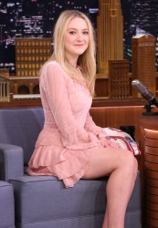 Dakota Fanning - The Tonight Show 3/03/16