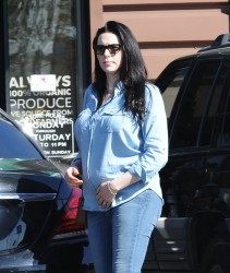 Laura Prepon - Out for lunch in Los Feliz 3/11/17