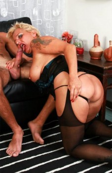Shadow: Italian Busty And Curvy Granny (Anal) 720p Cover