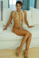 http://thumbnails117.imagebam.com/53861/70465c538603304.jpg