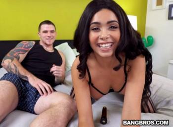 Aaliyah Hadid (Aaliyah Hadid gave the greatest webcam show / bkb15821 / 17.03.17) 720p