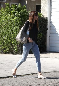 Jessica Biel in jeans out in Studio City 3/16/17