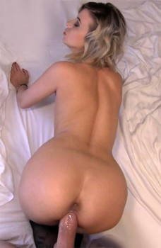 Cheating Wife Fucks For Cash 1080p Cover