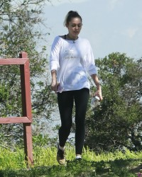 Miley Cyrus - Hiking in LA 3/16/17
