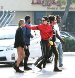 Kendall Jenner & Hailey Baldwin - Hanging out in LA 3/19/17