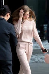 Gigi Hadid - Leaving her apartment in NYC 3/18/17