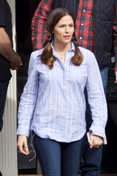 Jennifer Garner - On the set of 'Simon vs. The Homo Sapiens Agenda' in Atlanta 3/22/17
