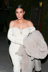 Kim Kardashian - Out for dinner in LA 3/25/17
