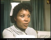 Cleo Sylvestre - TV series The Day of the Triffids S1E01 caps x4