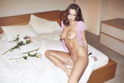 http://thumbnails117.imagebam.com/52040/647833520396030.jpg