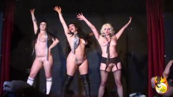 Petite Burlesque Burlesque